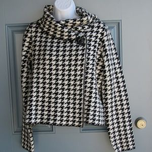 Black/White Houndstooth Jacket by Ellen Tracy